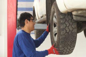 taller de servicio técnico mecánico para vehículos comerciales como camionetas 4x4