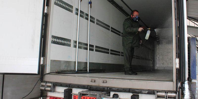 desinfección de camiones ligeros furgones para distribución de carga